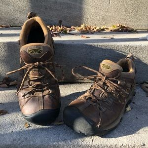 KEEN Brown Waterproof Hiking Sneakers Size 10